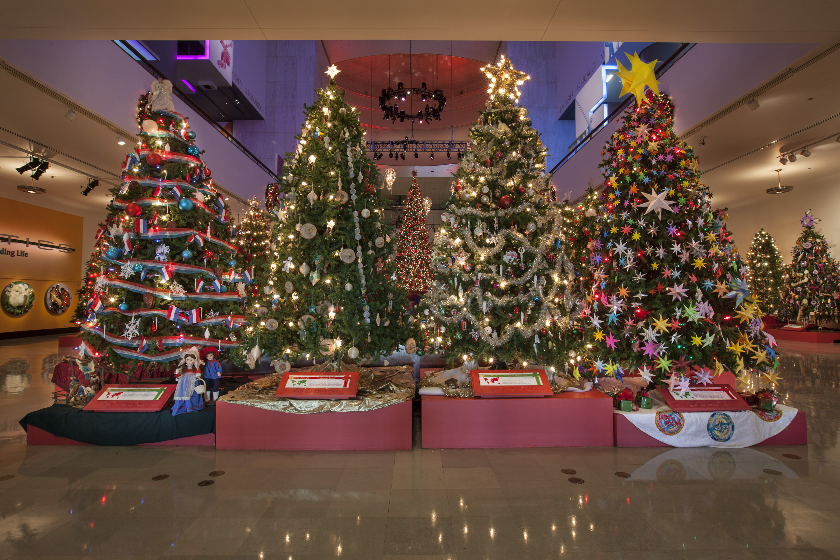 more than 50 trees and displays are decorated by volunteers from chicagos ethnic communities - Christmas Around The World Chicago